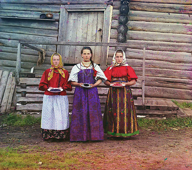 Color photograph of Russian peasant girls